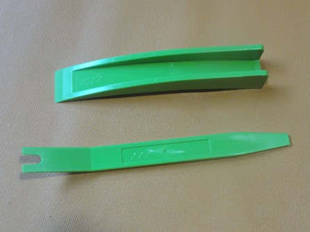 Automotive Crowbar (Green)